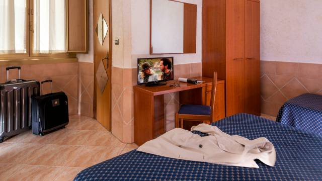 hotel-luciani-rome-rooms-13