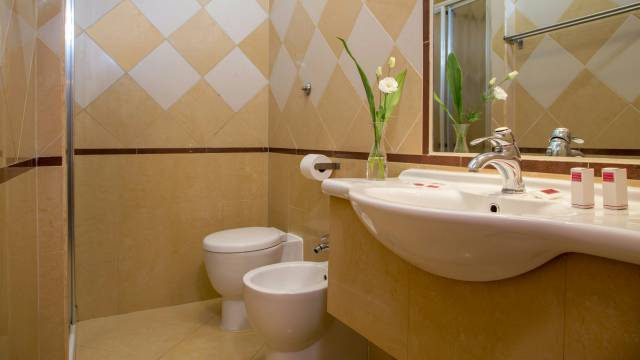 hotel-luciani-rome-rooms-15